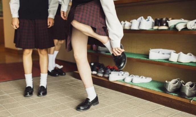 როგორი უნდა იყოს სასკოლო ფეხსაცმელი – ხერხემალს მხოლოდ ჩანთა არ აზიანებს - ფეხსაცმელი